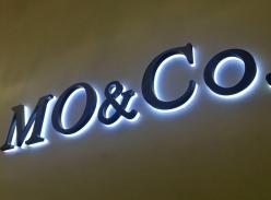 mo&co水晶底背发光字